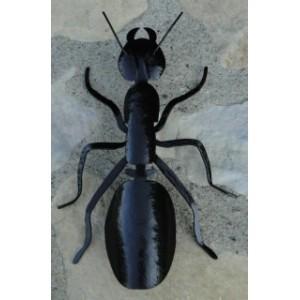 Sculpture fourmi métal repoussé et fer forgé